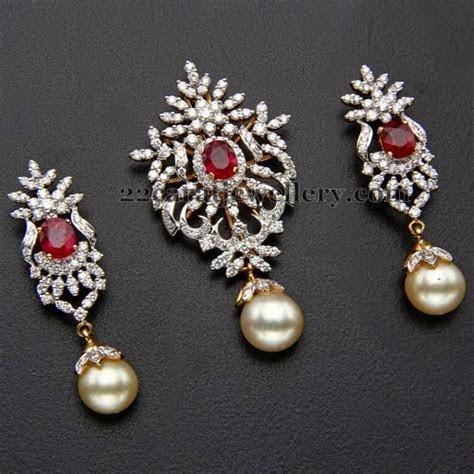 Kothari's Jewellery Diamond Locket   Jewellery Designs