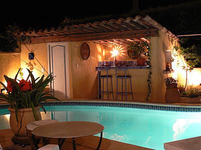 cuisine d'été et piscine.jpg