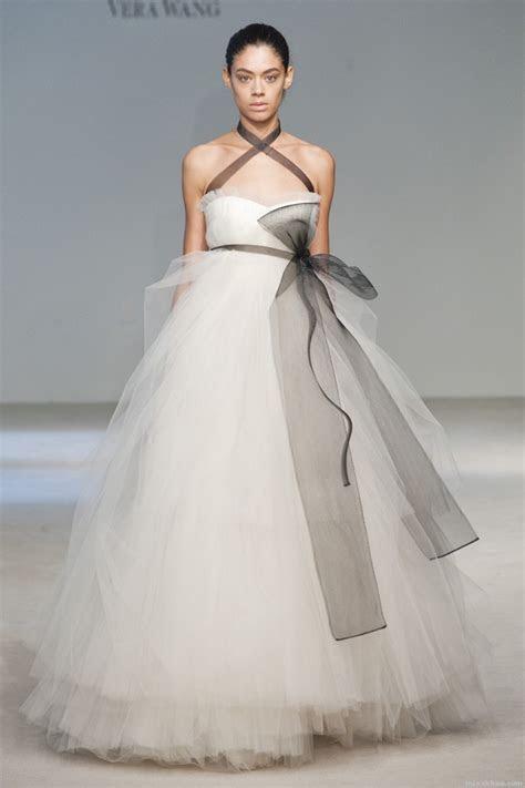 Vera Wang Fall 2010 wedding dress collection   Wedding