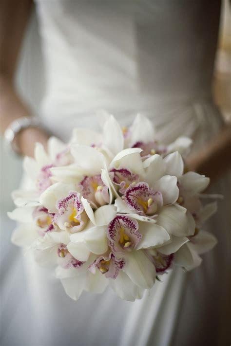 cymbidium bouquet   Google Search   Vestido casamento