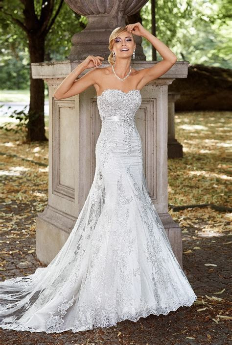 Sexy Lace Sweep/brush Train Beading&Sequins Tulle Trumpet