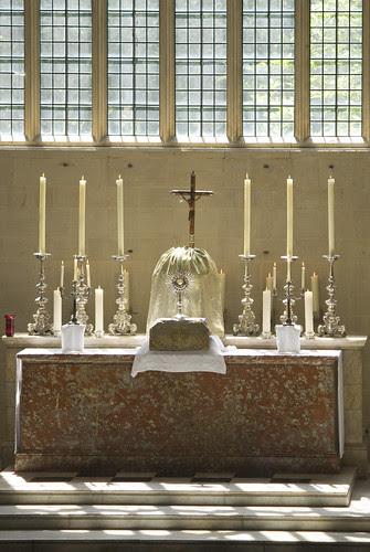 The Sanctissimum enthroned in Blackfriars