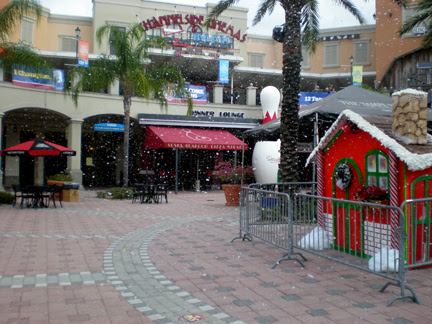 snow machines at channelside Plaza Tampa