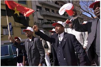 Diaspora Manifestacao de Angolanos.jpg