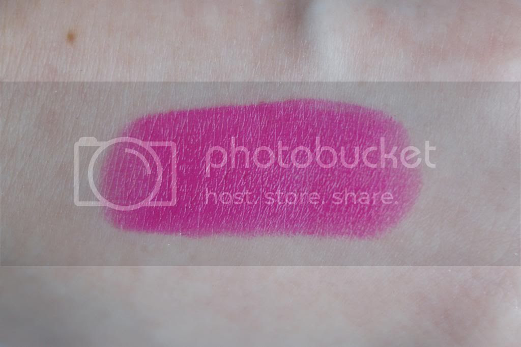 Maybelline Color Sensational Vivids Lipstick 970 Electric Fuchsia