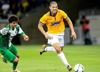 Nilton jogo Cruzeiro e Coritiba (Foto: Getty Images)