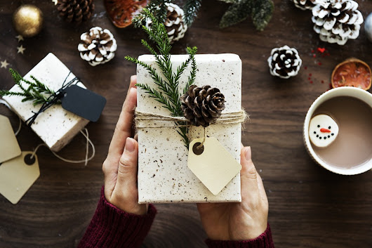 How To Finish Your Christmas Shopping Before December - SelectAware.com Savings Blog