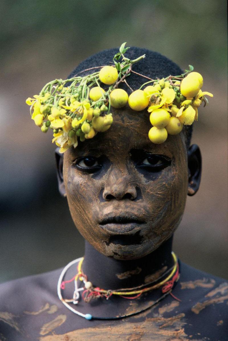 A beleza das Tribos Surma e Mursi, uma cultura em perigo, no sul de Etiópia 29