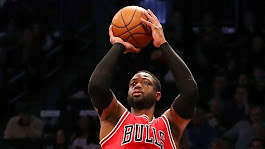 Dwyane Wade, Chicago Bulls agree on contract buyout