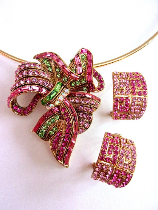 Pink Green Pave Rhinestone Brooch/Pendant Earrings Set Gold
