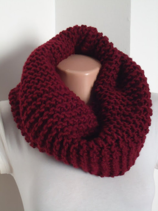 SALEİChunky knit snood in burgandy/ Knit scarf / by AYTULGIFT