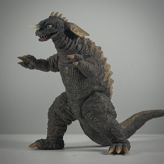 Kaiju Addicts   –  Full Review: X-Plus Baragon 1965 Large Monster Series Vinyl Figure