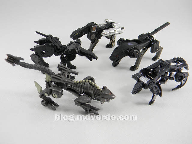 Transformers Ravage Legends - Generations Fall of Cybertron - modo robot
