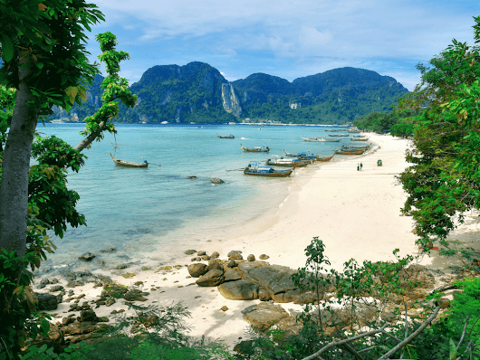 What to do and Where to stay in Phi Phi Island - Couple Travel The World