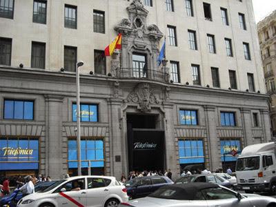 Fachada del edificio de Telefónica en la Gran Vía de Madrid.