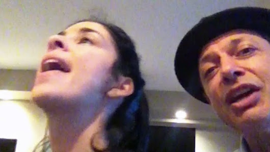 Sarah Silverman and Jeff Goldblum Perform a Brilliant Jazz Duet of 'Me and My Shadow' on Piano
