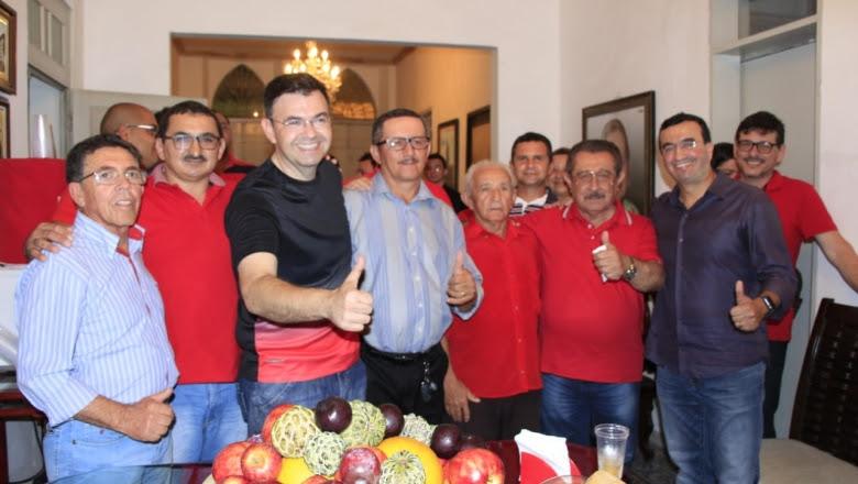 Em Guarabira, Benjamin recebe apoio de grupo político encabeçado pela Família Paulino