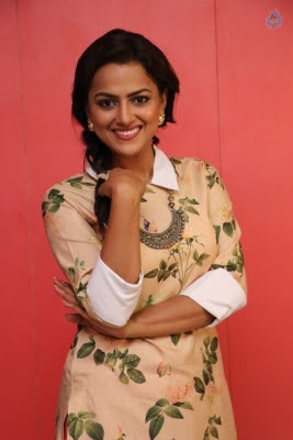Shraddha Srinath New Photos - 7 of 9