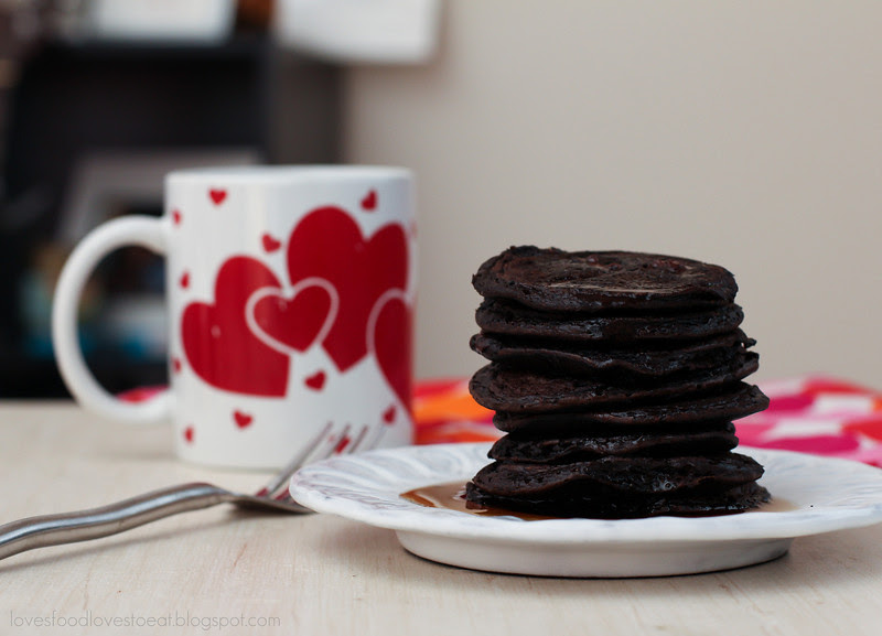 Gluten Free Chocolate Pancakes// Loves Food, Loves to Eat