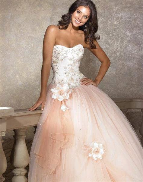 26 Amazing Wedding Dresses
