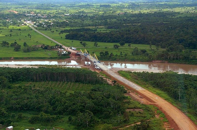Ficheiro:Ponte sobre o rio Tarauacá.jpg