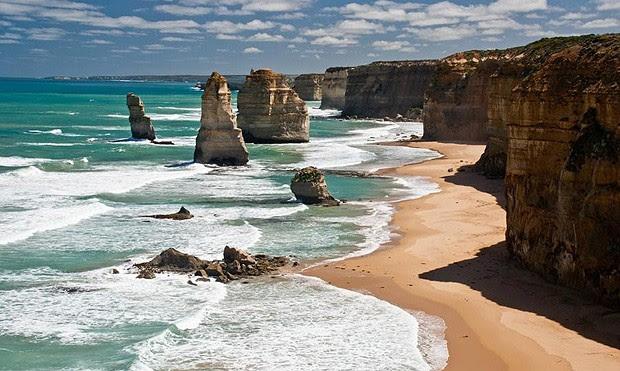 Chamada de Doze Apóstolos, este conjunto de falésias fica bem próxima da costa de Victoria, na Austrália (Foto: Divulgação)