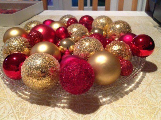 centros-de-mesa-navidenos-con-bolas