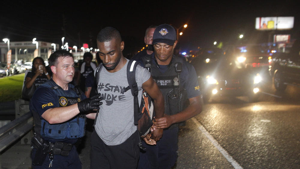 Deray Mckesson arrested