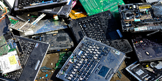 Our E-Waste Problem Is Ridiculous, and Gadget Makers Aren't Helping | WIRED