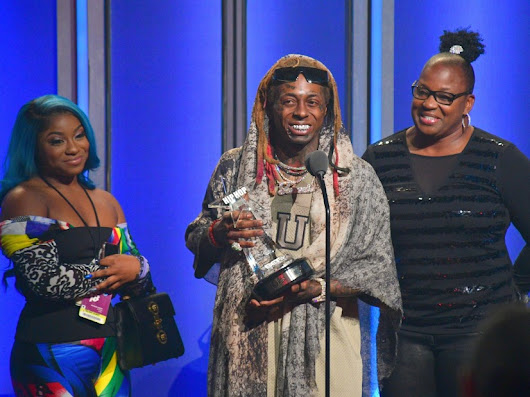 Lil Wayne Applauds White Cop Who Saved His Life During 2018 BET Hip Hop Awards Speech | HipHopDX