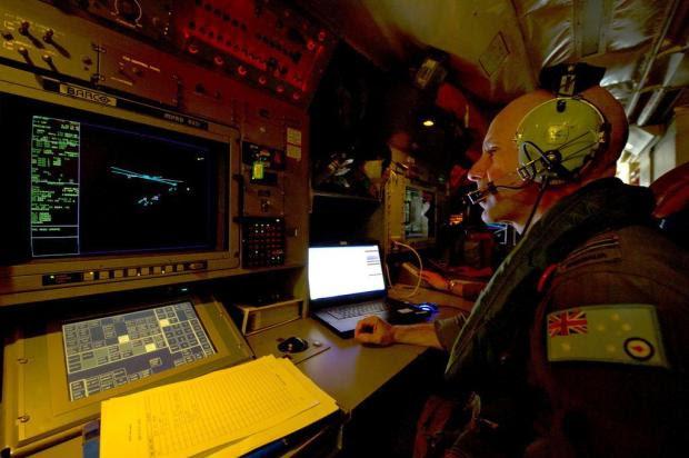 Objetos encontrados no oceano podem ser de avião da Malaysian Airlines AUSTRALIAN DEFENCE/AUSTRALIAN DEFENCE
