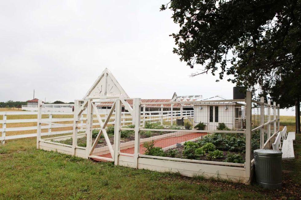 http://www.countryliving.com/home-design/house-tours/g2546/chip-joanna-gaines-farmhouse-tour/