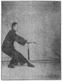 《昆吾劍譜》 李凌霄 (1935) - posture 11