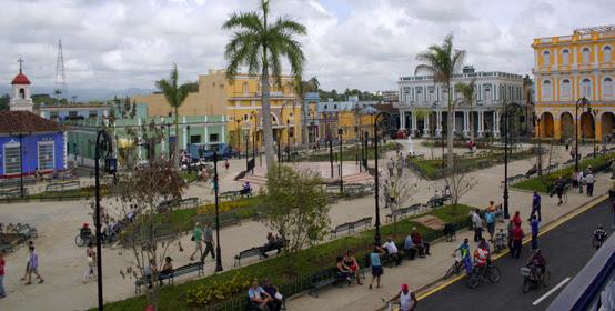 El reconstruido Parque Serafín Sánchez, centro de la vida social de Sancti Spíritus. Serie Una ciudad testigo del tiempo. Foto. Daylén Vega/Cubadebate