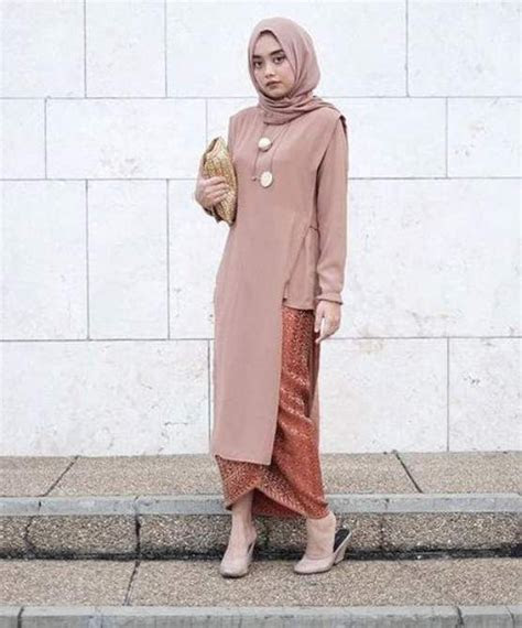 model kebaya wisuda modern simple busana muslim