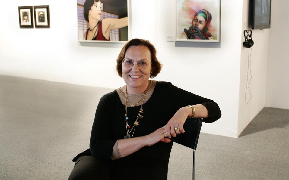 H Τουρκάλα επιμελήτρια Μπεράλ Μαντρά είδε στην Art Athina «καλά έργα από αξιόλογους Ελληνες καλλιτέχνες».