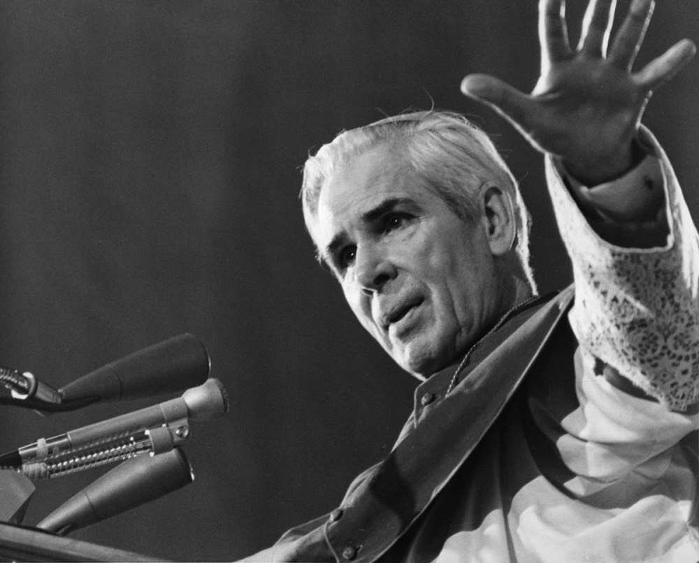 fulton_sheen20120628nw1377_web_0
