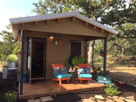 tiny homes    homelessness community