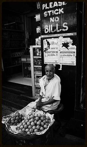 The Bhaiyyas Of Bandra Bazar Road by firoze shakir photographerno1