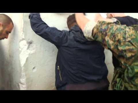 Polizei veröffentlicht Video wie sich die Terroristen ergeben haben