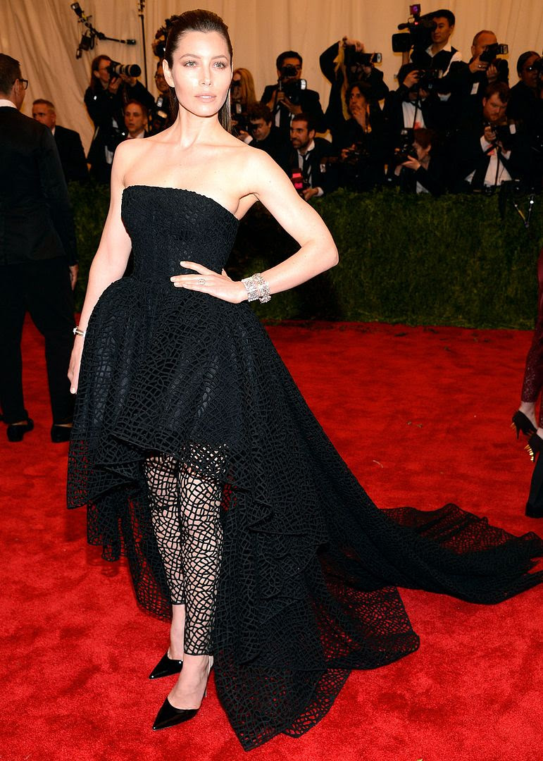 Jessica Biel : 2013 Met Costume Institute Gala photo 1367899530_jessica-biel-zoom.jpg