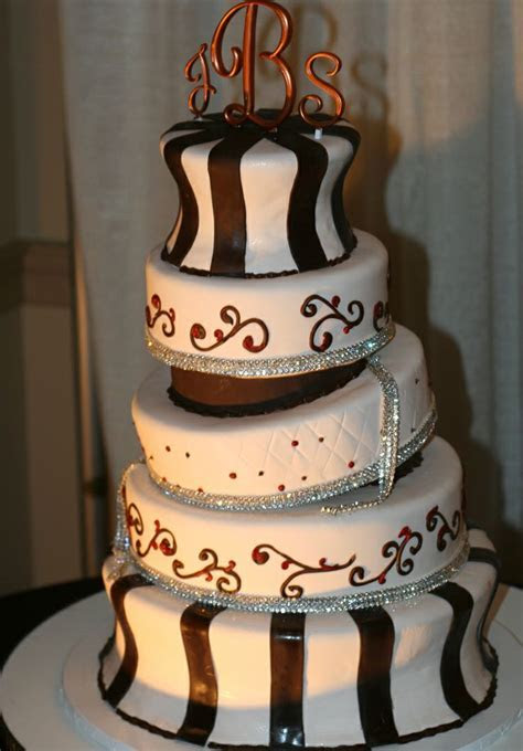 The Tallest Wedding Cake     Dana Herbert Is Fighting