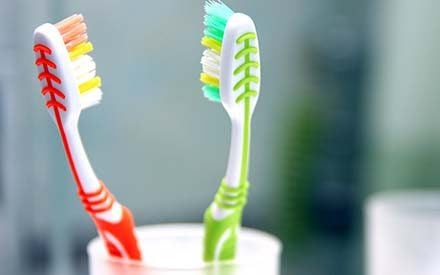 Sharing a Toothbrush: Is It That Bad? | Reader's Digest