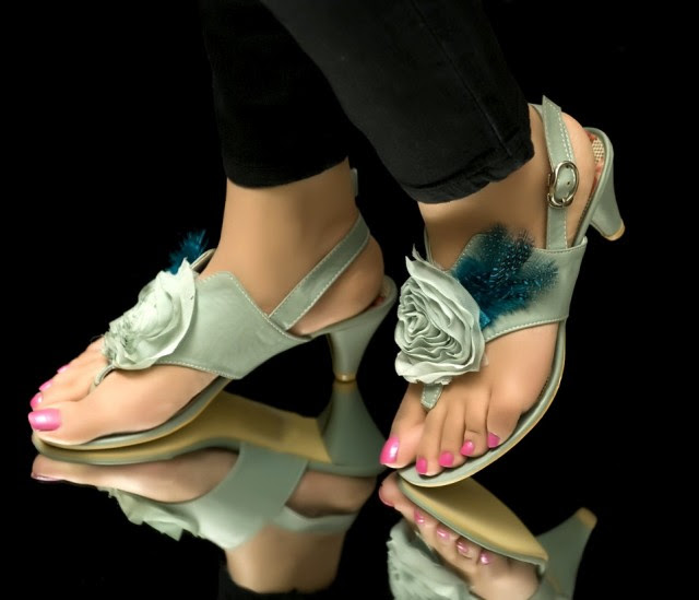 Girls-Womens-Beautiful-Casual-High-Shoes-Eid-Footwear-Collection-2013-by-Metro-Shoes-7