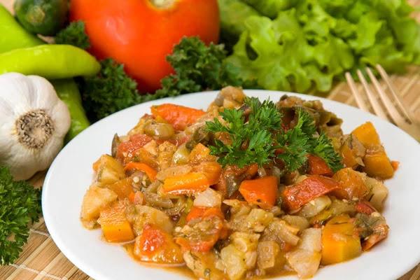 Κολοκύθα στο φούρνο με πατάτες και μυρωδικά