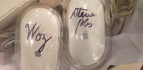 HT kanye west mouse jef 130701 33x16 608 Kim Kardashian Gives Kanye West a Steve Jobs Signed Apple Mouse