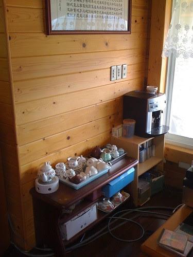 飛來居民宿:咖啡機與茶具