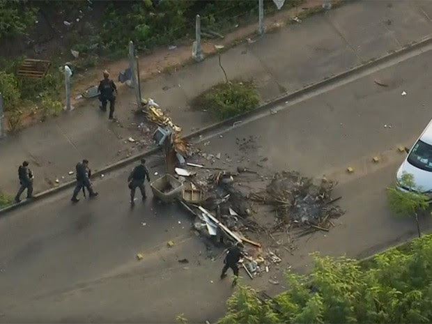 Cidade de Deus tem segurança reforçada após ataques (Foto: Reprodução/TV Globo)