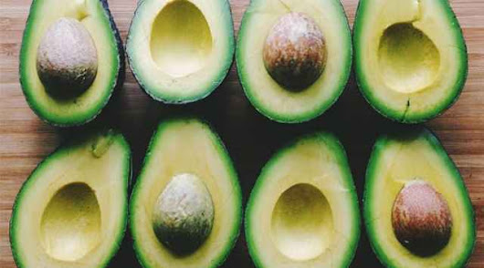 DIY Hydrating and Anti-aging Raw Avocado Face Mask - Jaclyn Creations