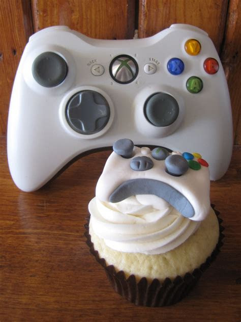 Xbox Controller Love Cake Ideas and Designs